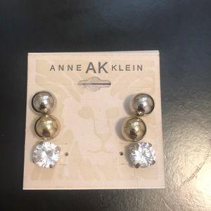 3 set Stud Md Size Earrings
